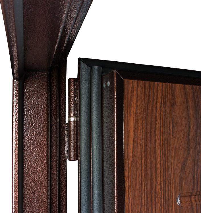 внутренняя металлическая дверь с двойным уплотнением